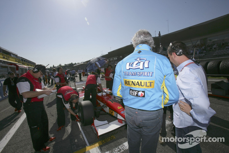 Flavio Briatore sur la grille du GP2