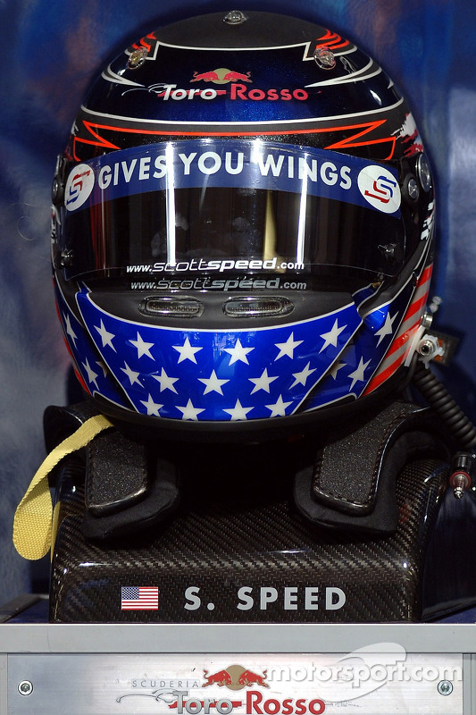 Le casque de Scott Speed