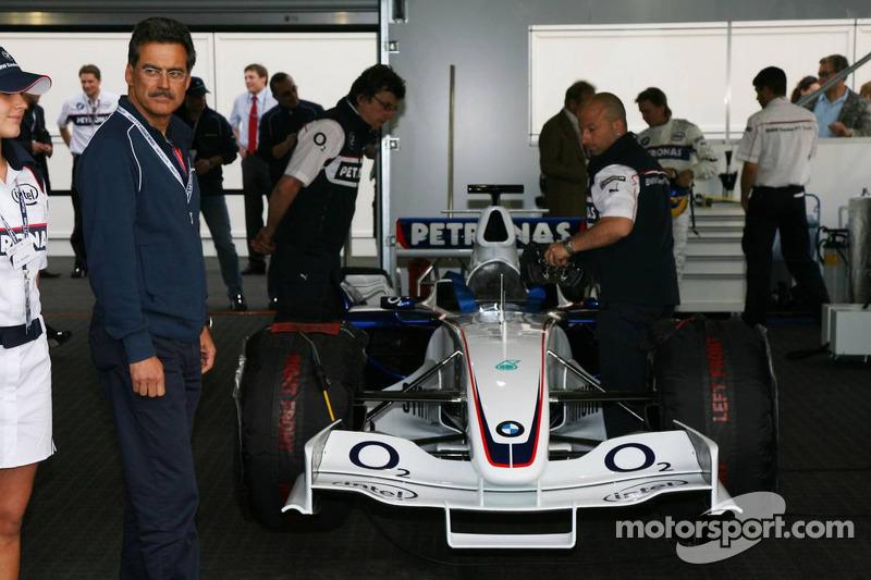 Visite du stand de l'équipe BMW Sauber: Dr. Mario Theissen