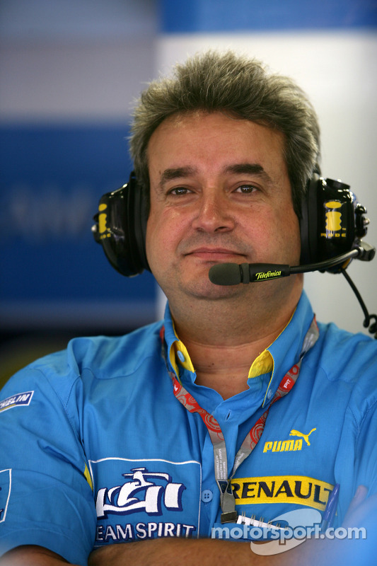 Le manager de Renault F1 Carlos Nunes