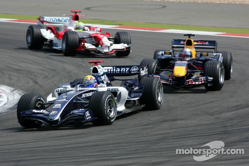 Mark Webber devant Christian Klien et Ralf Schumacher