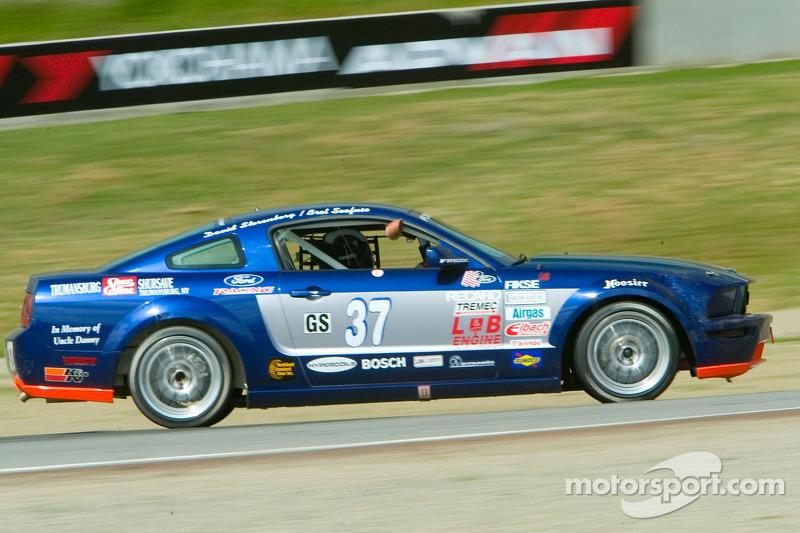 #37 JBS Motorsports Mustang GT: Bret Seafuse, David Sterenberg, Jim Seafuse