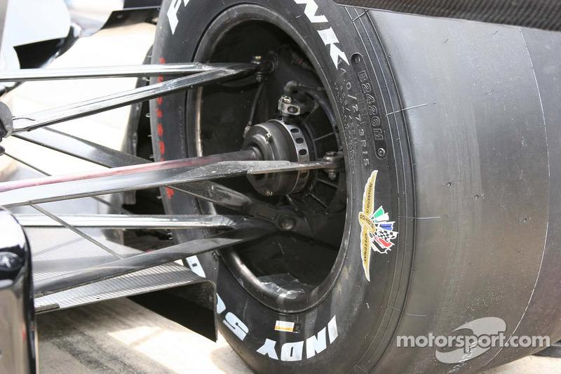 Une vue détaillée de la suspension arrière