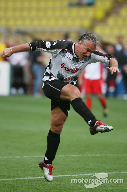 Match de football de charité: Didier Deschamps l'ex-international de l'équipe de France de football