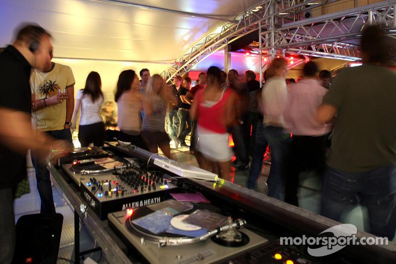 Jeudi refroidi: le DJ