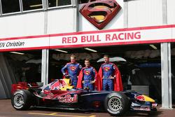 """Рекламная акция Red Bull Racing в Монако к фильму """"Супермен"""""""