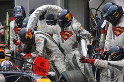 Red Bull Racing team refuels David Coulthard's car