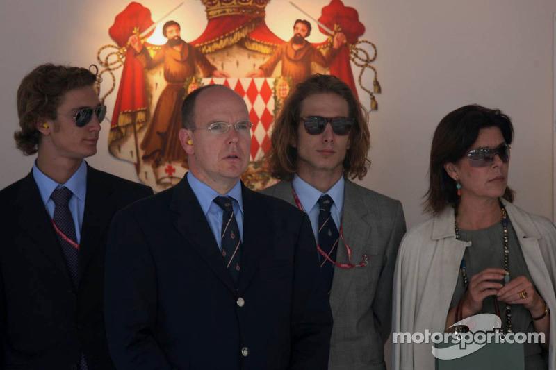 El príncipe Alberto II de Mónaco y princesa Caroline