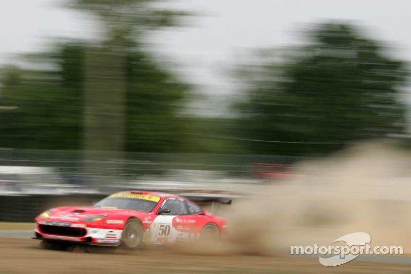 #50 Larbre Competition Ferrari 550 Maranello: Gabriele Gardel, Jean-Luc Blanchemain, Patrick Bornhauser a des ennuis