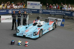 Claude-Yves Gosselin, Karim Ojjeh, et Adam Sharpe avec la Paul Belmondo Racing Courage C65 Ford