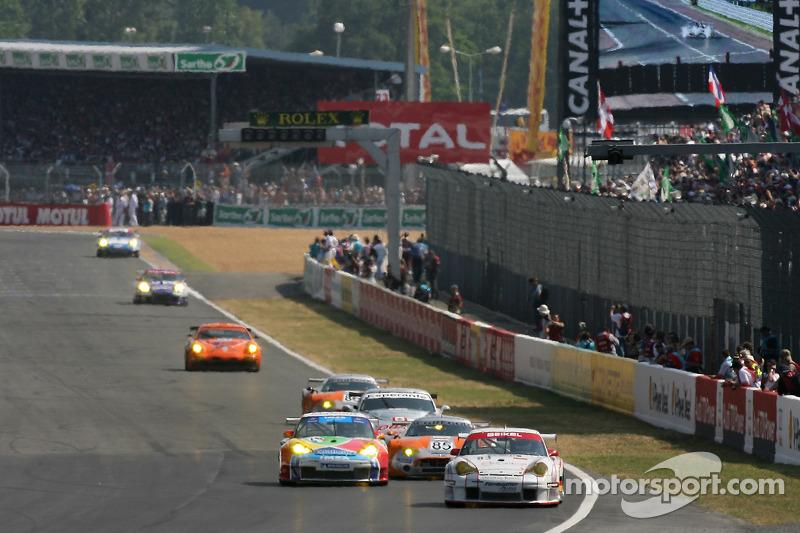 Bataille de voitures GT2