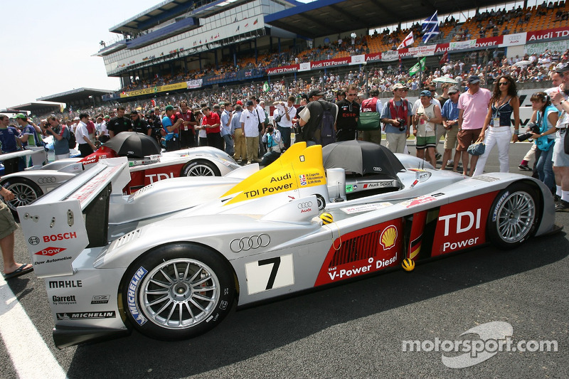 Audi Sport Team Joest Audi R10 gagne la pole position