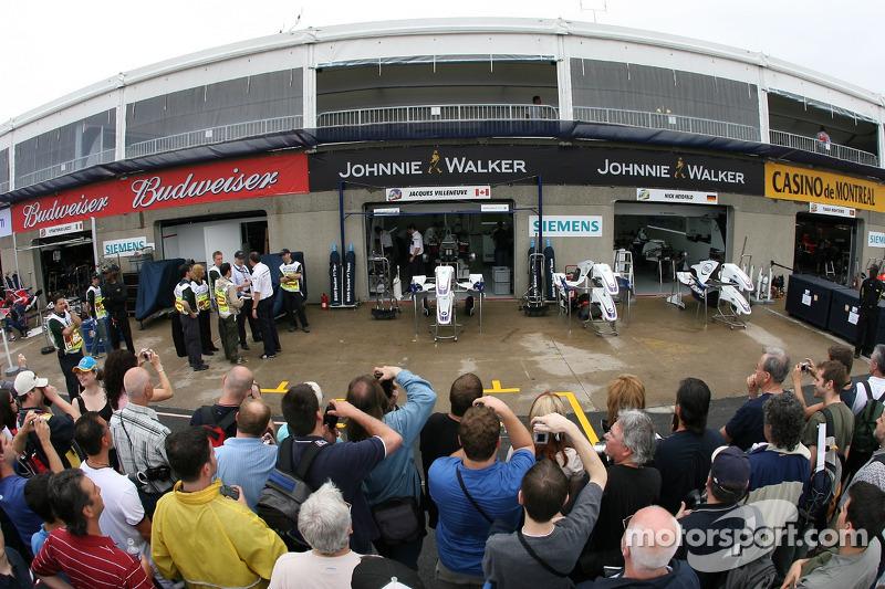 Les fans de Montréal attendent Jacques Villeneuve