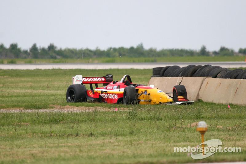 La voiture détruite de Sébastien Bourdais