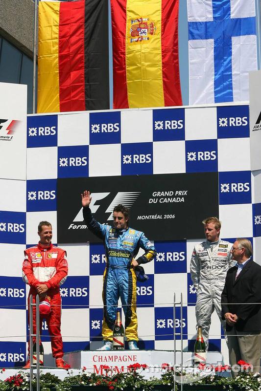 Podio: ganador de la carrera Fernando Alonso  segundo lugar Michael Schumacher y tercer lugar Kimi Raikkonen