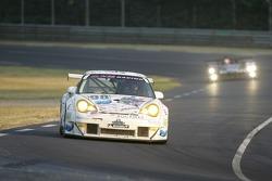 #98 Noel Del Bello Racing Porsche 996 GT3 RSR: Patrick Bourdais, Tom Cloet, Adam Sharpe