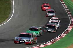 Départ de la course : Franck Stippler devance un second groupe de voitures