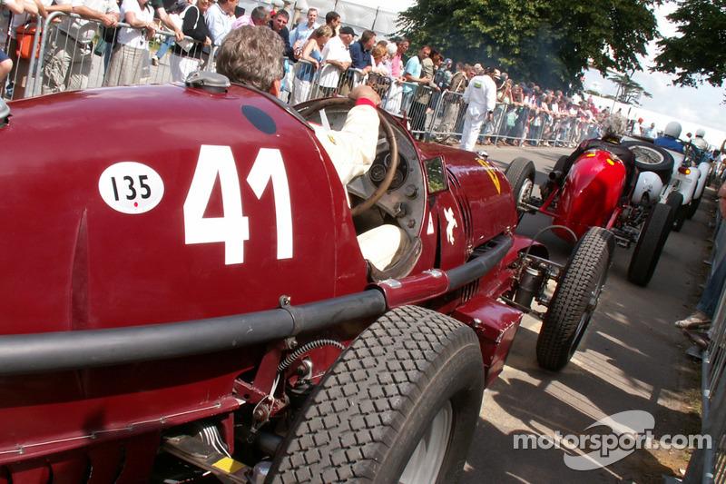 Alfa Romeo 8c attend