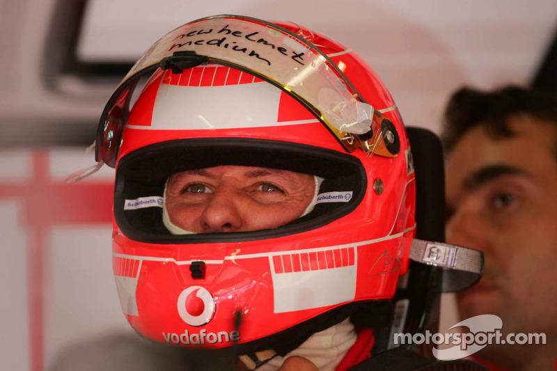 Michael Schumacher y su nuevo casco