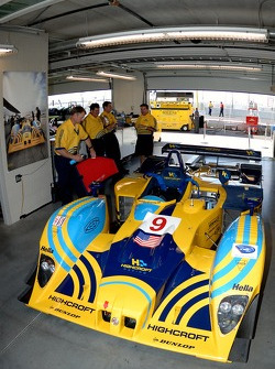 Le garage de Highcroft Racing