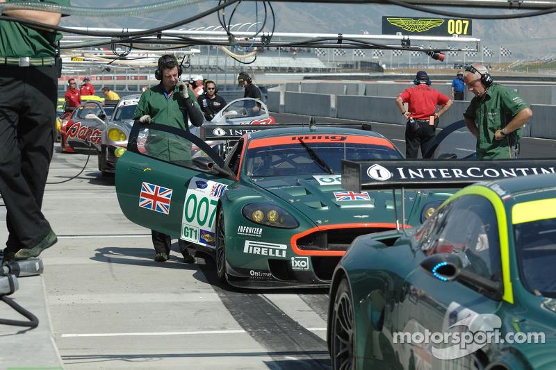 #007 Aston Martin Racing Aston Martin DB9 prête pour les qualifications