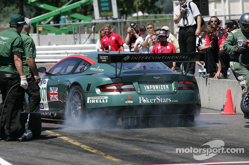 Défi de l'équipe de stand : #007 Aston Martin Racing Aston Martin DB9: Tomas Enge, Darren Turner