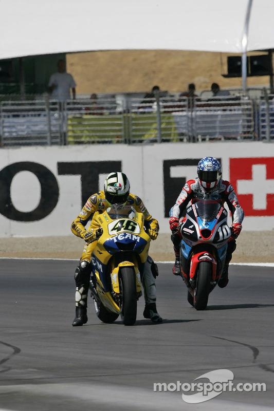 La séance de Valentino Rossi débute