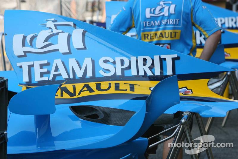 Le capot moteur de la Renault F1 R26