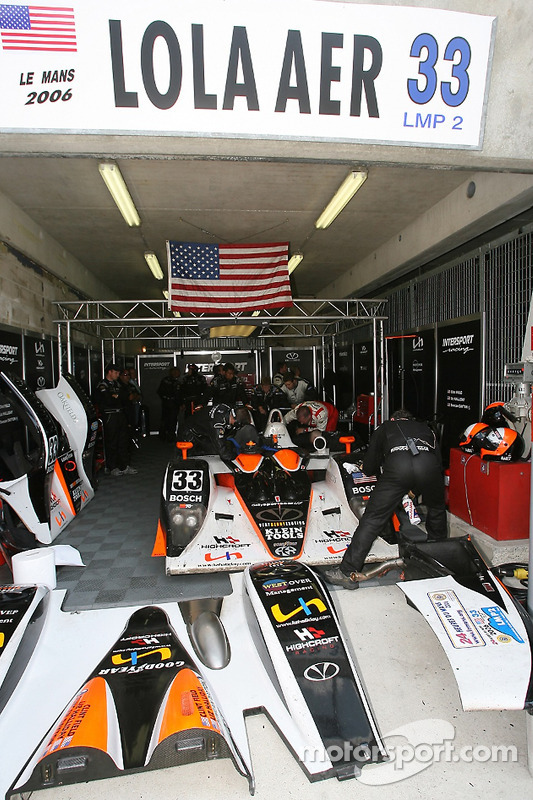 Le garage du Intersport Racing