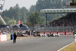 #8 Audi Sport Team Joest Audi R10: Marco Werner, Frank Biela, Emanuele Pirro heads to the checkered flag