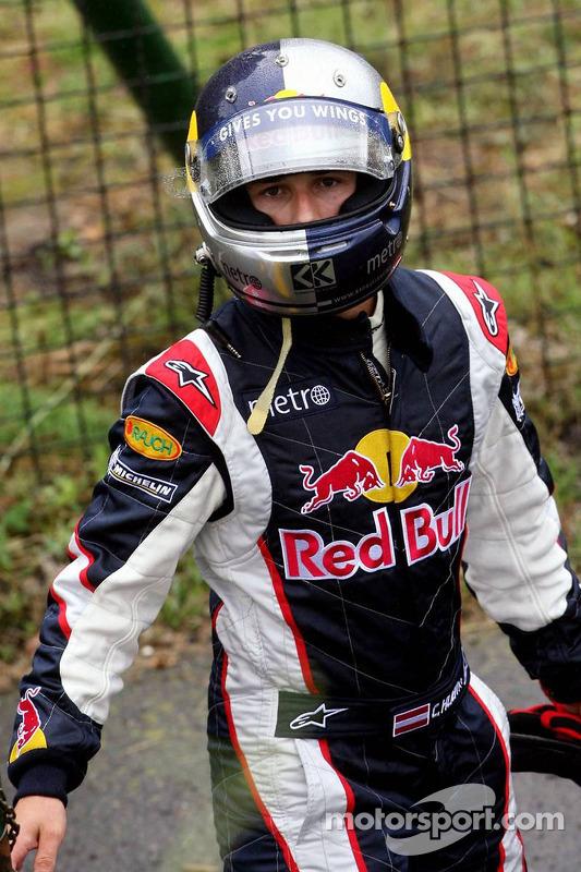 Christian Klien después de su parada en la pista