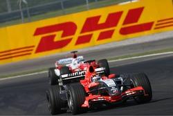 Christijan Albers leads Jarno Trulli