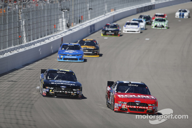 Chris Beuscher, Roush Fenway Racing, Ford, und Darrell Wallace jr., Roush Fenway Racing, Ford
