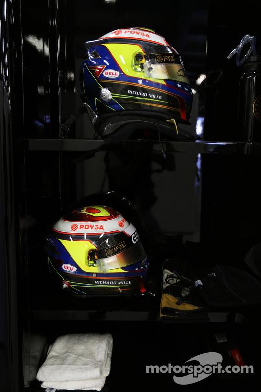 Пастор Мальдонадо, Lotus F1 Team шолом