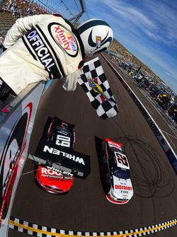 Джой Логано, Team Penske Ford перемагає