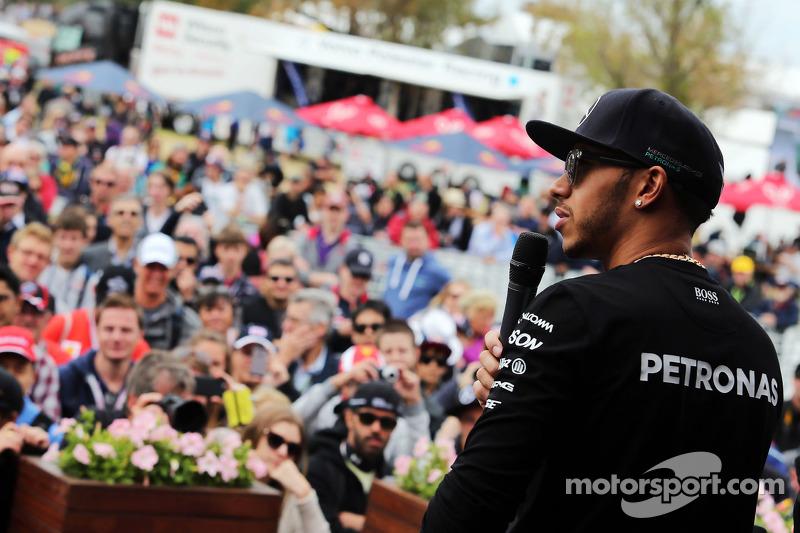 Lewis Hamilton, Mercedes AMG F1 di Autograph Stage