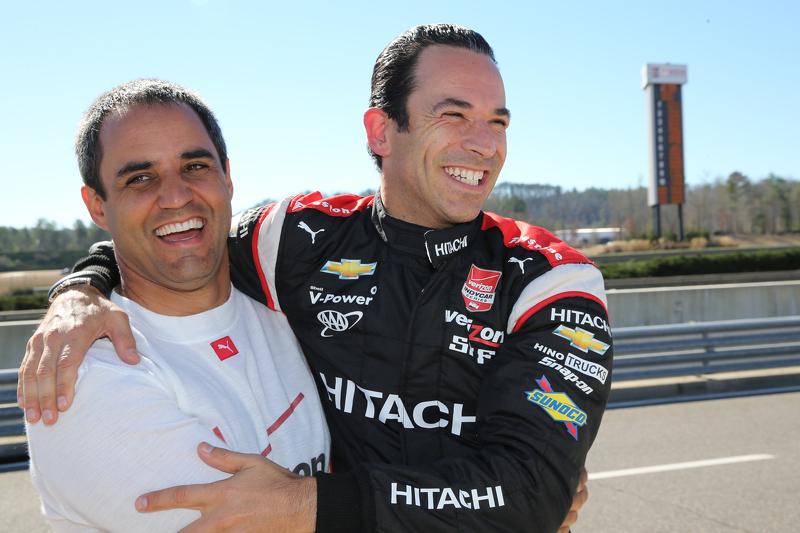 Juan Pablo Montoya, Team Penske, Chevrolet, und Helio Castroneves, Team Penske, Chevrolet
