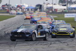 #158 Multimatic Motorsports Mustang Boss 302R: Джейд Буфорд, Austin Cindric