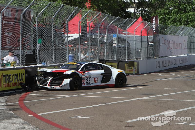 #23 M1 Racing Audi R8 LMS: Walt Bowlin mengalami tabrakan