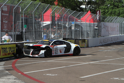 #23 M1 Racing Audi R8 LMS: Walt Bowlin crashes