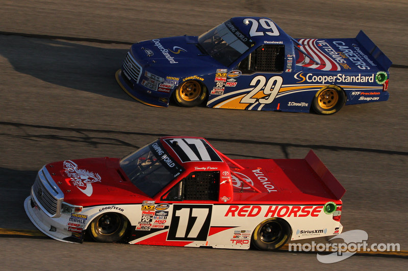 Timothy Peters, Red Horse Racing Toyota, Brad Keselowski, Brad Keselowski Racing Ford
