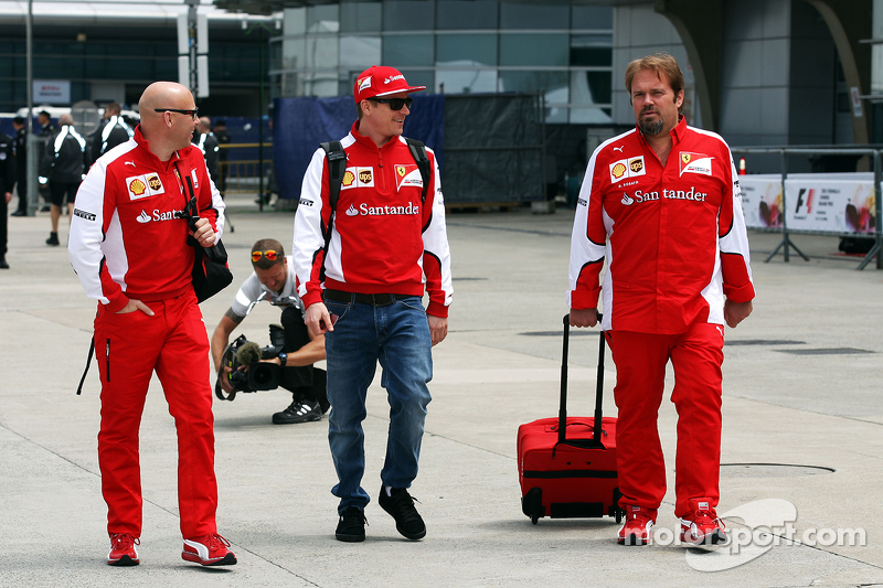 Mark Arnall, Personal Trainer bersama Kimi Raikkonen, Ferrari, dan Gino Rosato, Ferrari