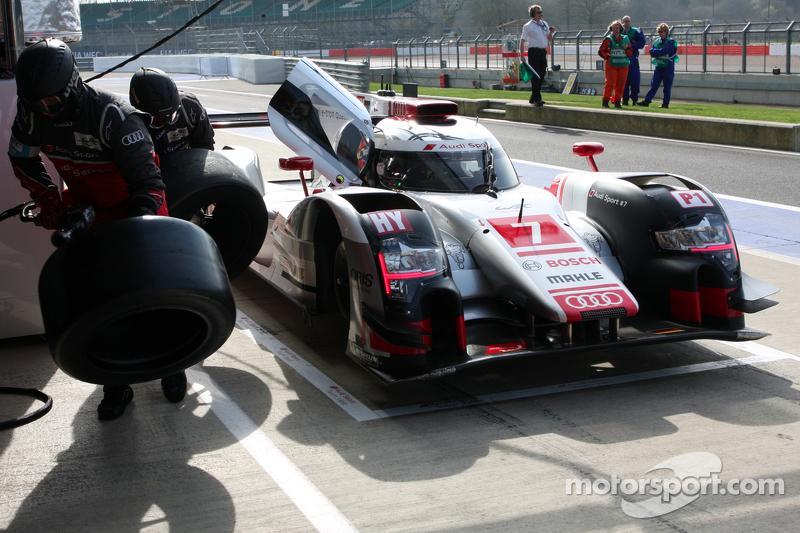 #7 Audi Sport Team Joest Audi R18 e-tron quattro: Марсель Фасслер, AndreÌ Lotterer, Benoit Tréluyer