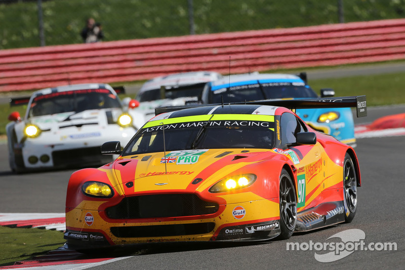 #97 Aston Martin Racing Vantage V8: Darren Turner and Stefan Mücke