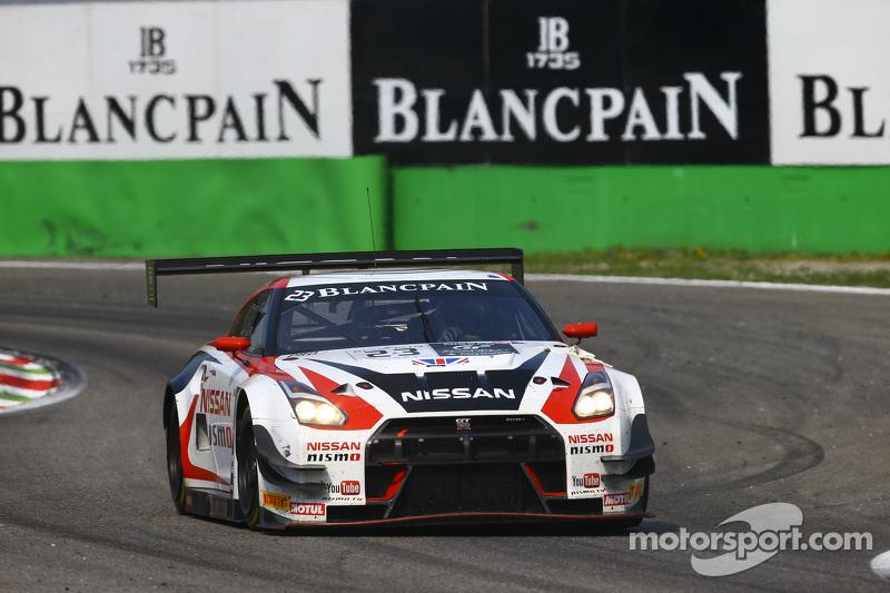 #23 Nissan GT Academy Team RJN, Nissa GT-R Nismo GT3: Katsumasa Chiyo, Wolfgang Reip, Alexander Buncombe