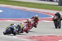 Valentino Rossi, Yamaha Factory Racing; Andrea Dovizioso und Andrea Iannone, Ducati Team, und Bradley Smith, Yamaha Tech 3