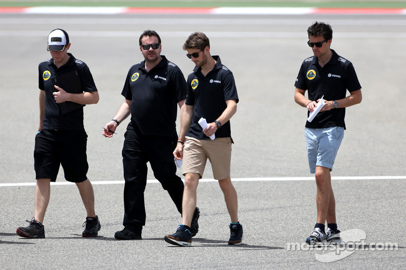 Romain Grosjean, Lotus F1 Team and Jolyon Palmer, Lotus F1 Team