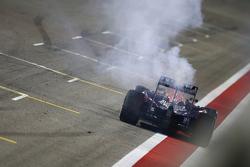Даниэль Риккардо, Red Bull Racing RB11 остановился после пересечения финишной линии