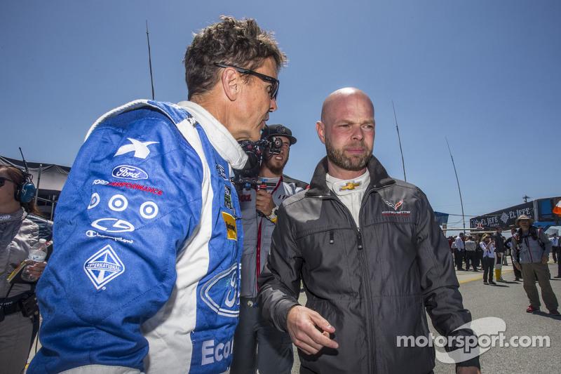 #01 Chip Ganassi Ford/Riley: Scott Pruett en #3 Corvette Racing Chevrolet Corvette C7.R: Jan Magnussen