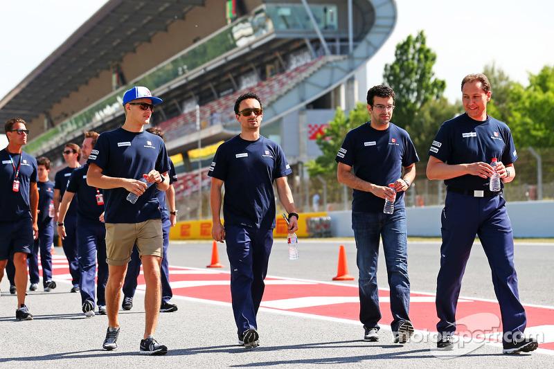Marcus Ericsson, Sauber F1 Team, beim Trackwalk mit dem Team
